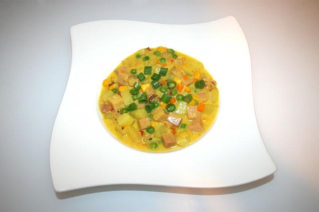 44 - Cheesy Ham Chowder - Served / Schinken-Käse-Eintopf - Serviert