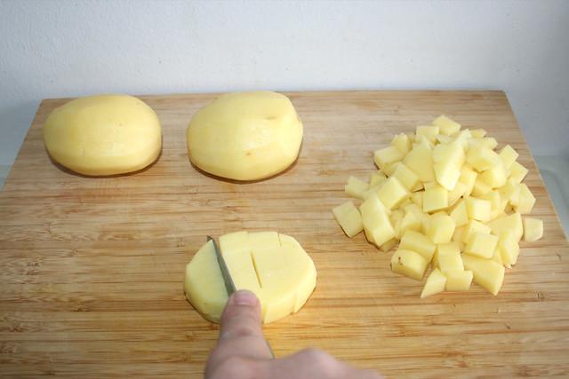 18 - Kartoffeln würfeln / Dice potatoes
