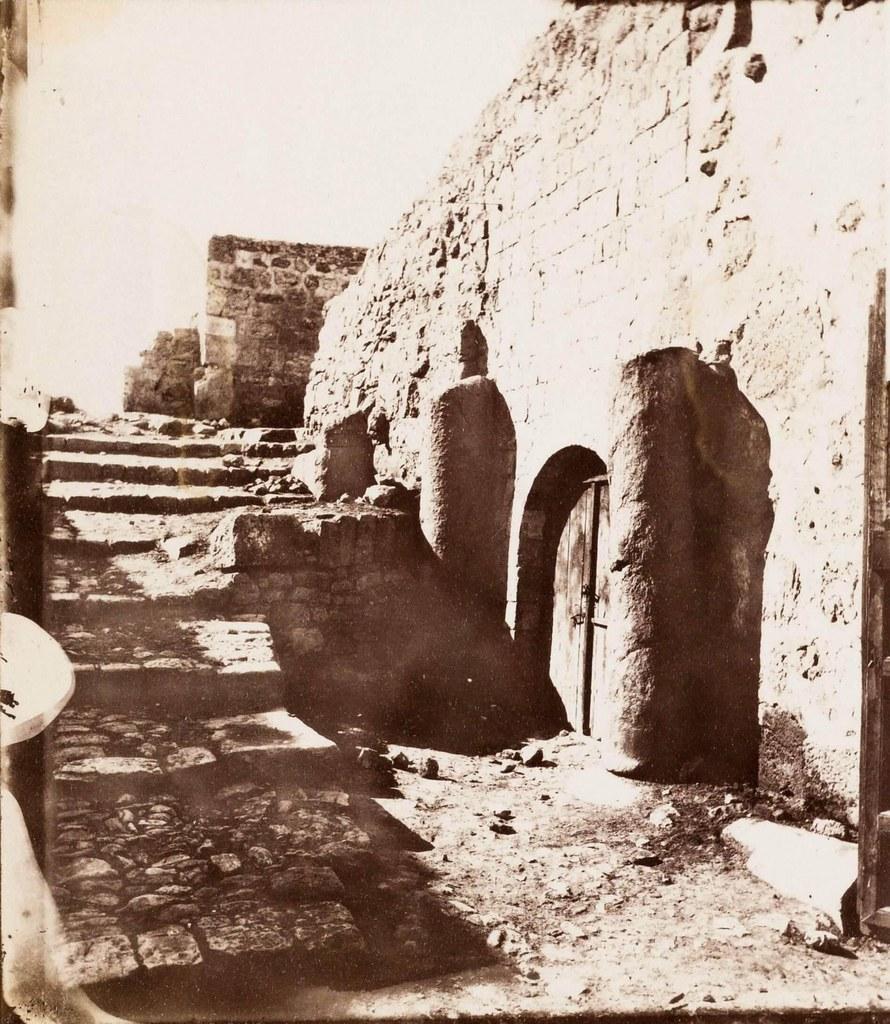 27. Иерусалим. Виа Долороза.  Между 8 по 9 остановками