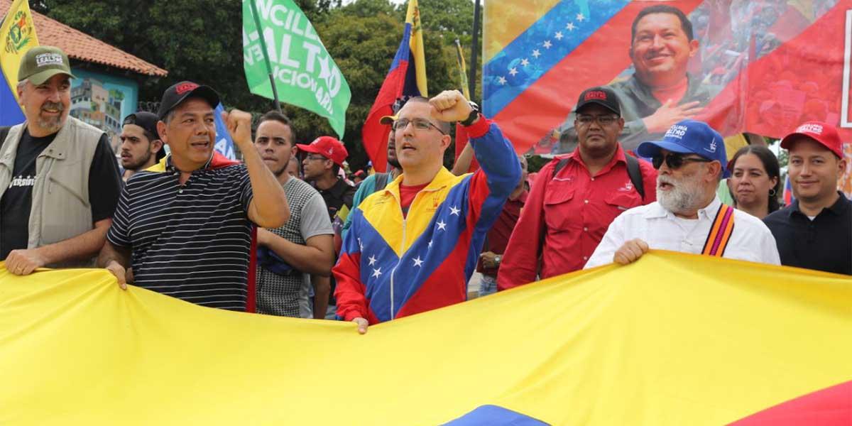 Canciller Arreaza exhorta a la movilización activa contra bloqueo de