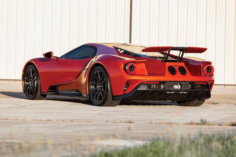 1f8ea0de-2017-ford-gt-auction-2