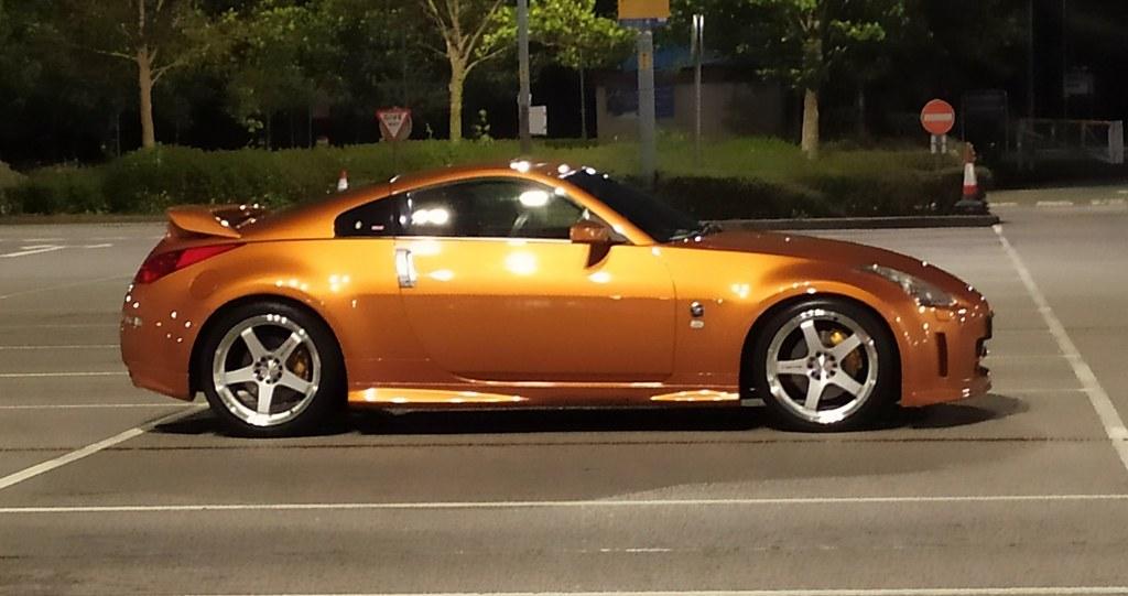 Sunset orange Nismo Aero kitted 350z