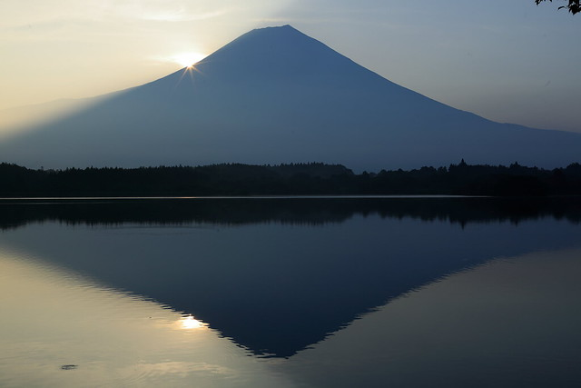 Mt.Fuji Lake Tanukiko of the morning