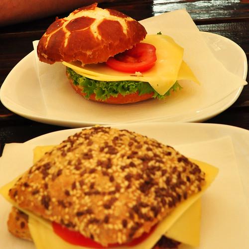 Leckere Käsebrötchen bei Heidis Imbiss ... Foto: Brigitte Stolle