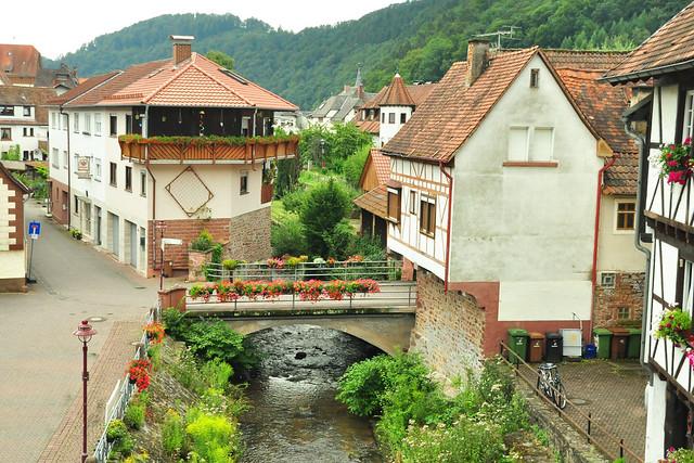 Hier fließt die Elsenz in den Neckar ... Foto: Brigitte Stolle