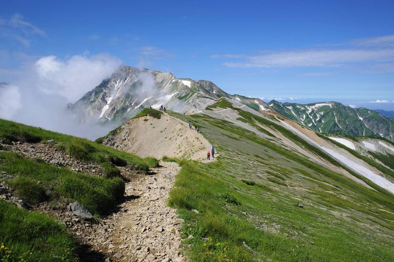 小蓮華山から眺める白馬岳の稜線