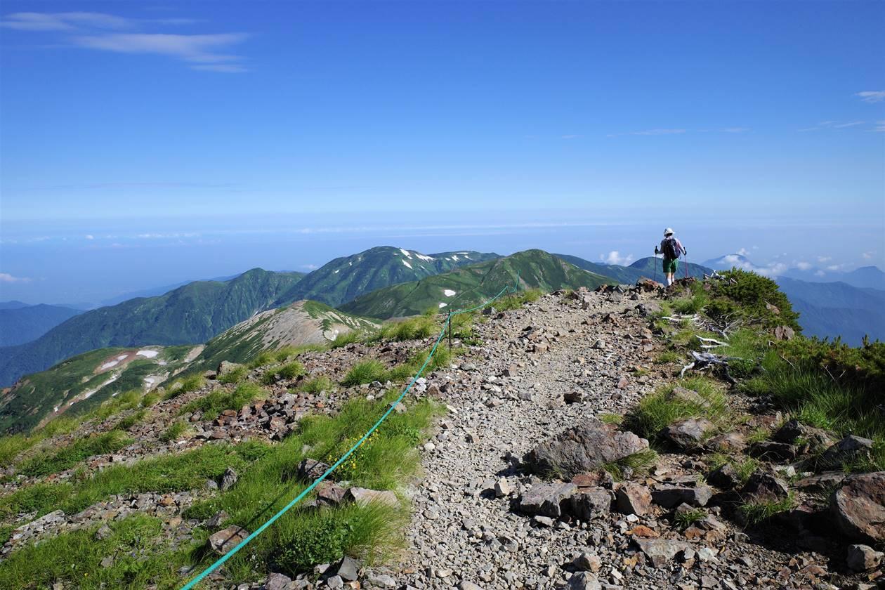 白馬岳 雲の上の稜線