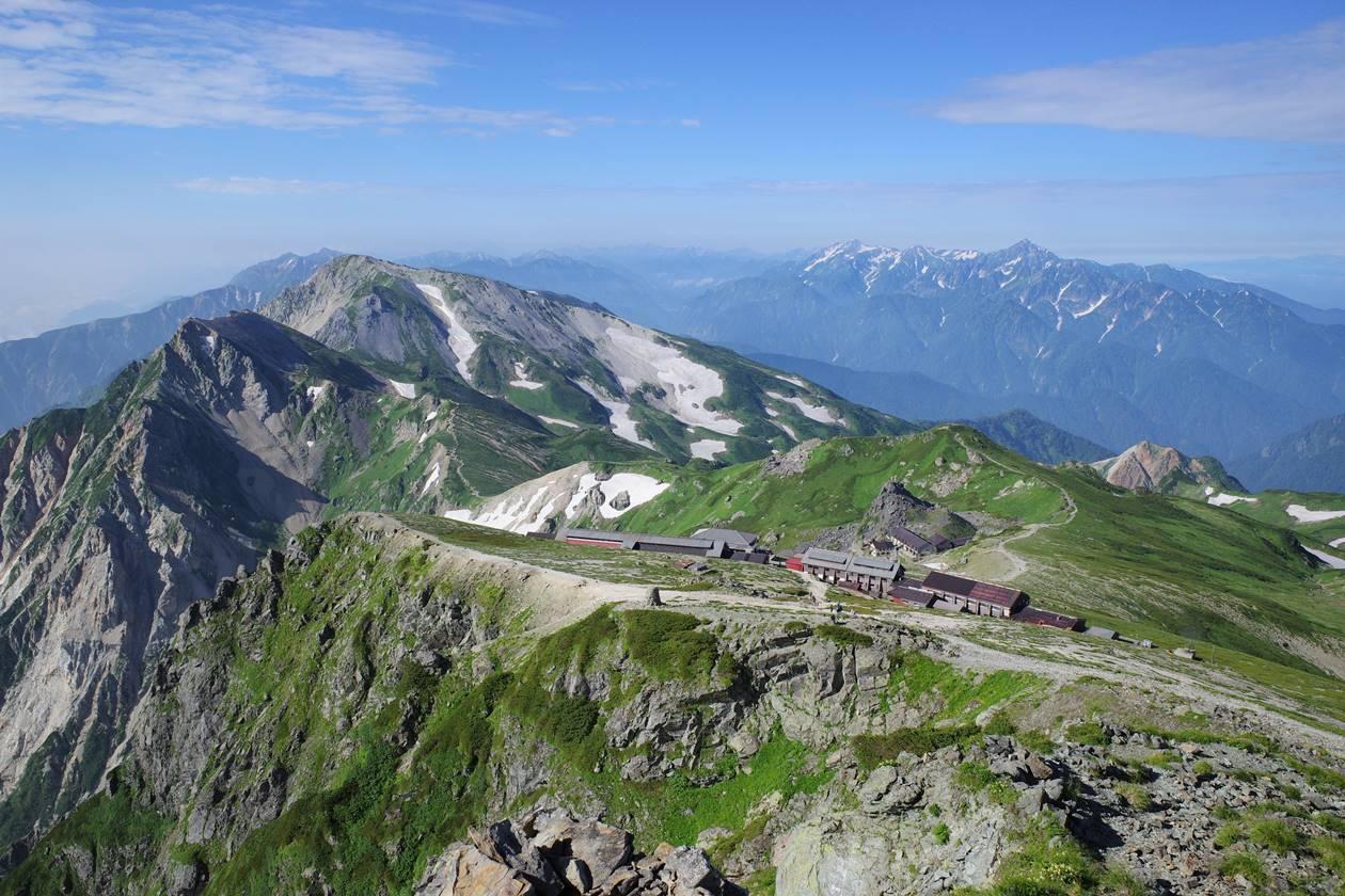 白馬岳山頂から立山・剱岳方面の展望