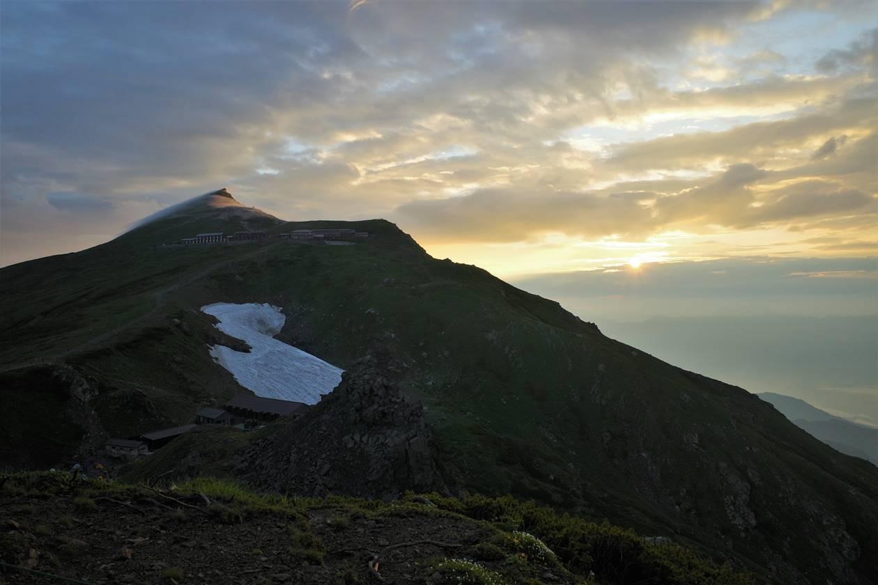 朝日と白馬岳