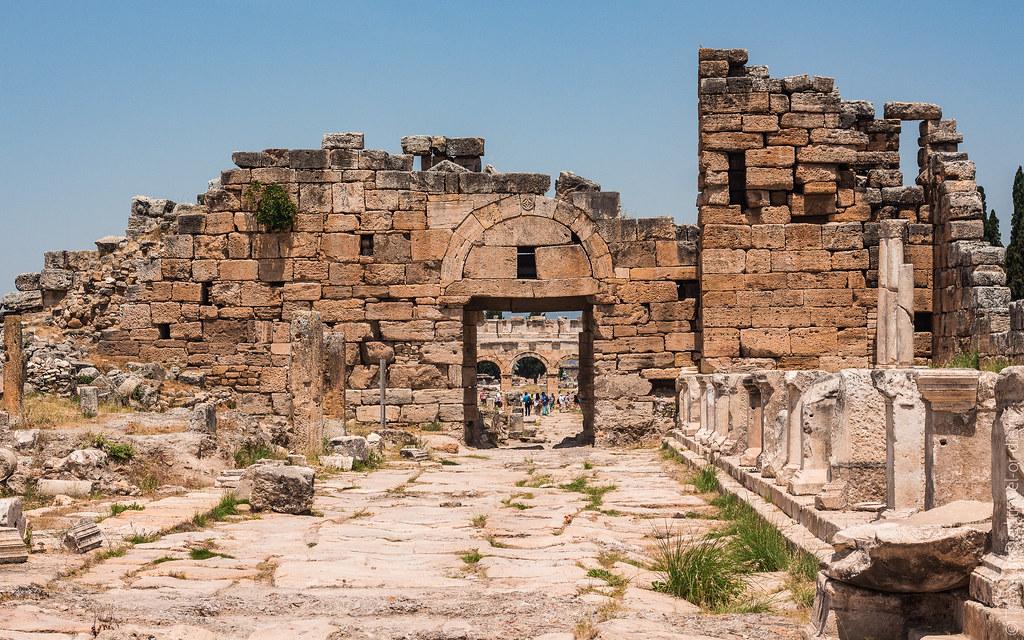 Ancient-City-Hierapolis-Turkey-5418