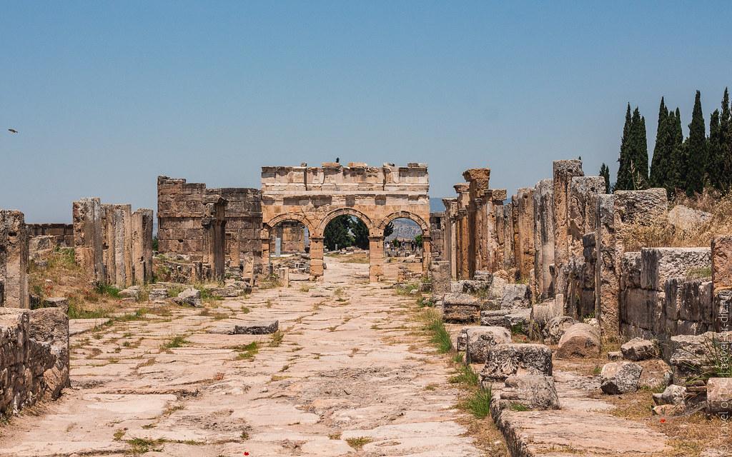 Ancient-City-Hierapolis-Turkey-5410