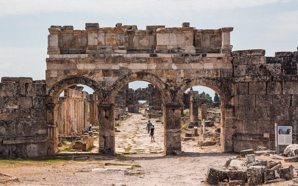 Ancient-City-Hierapolis-Turkey-5388