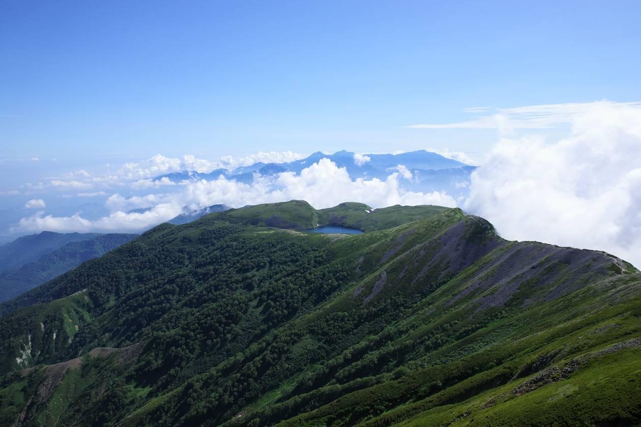 小蓮華山から眺める白馬大池