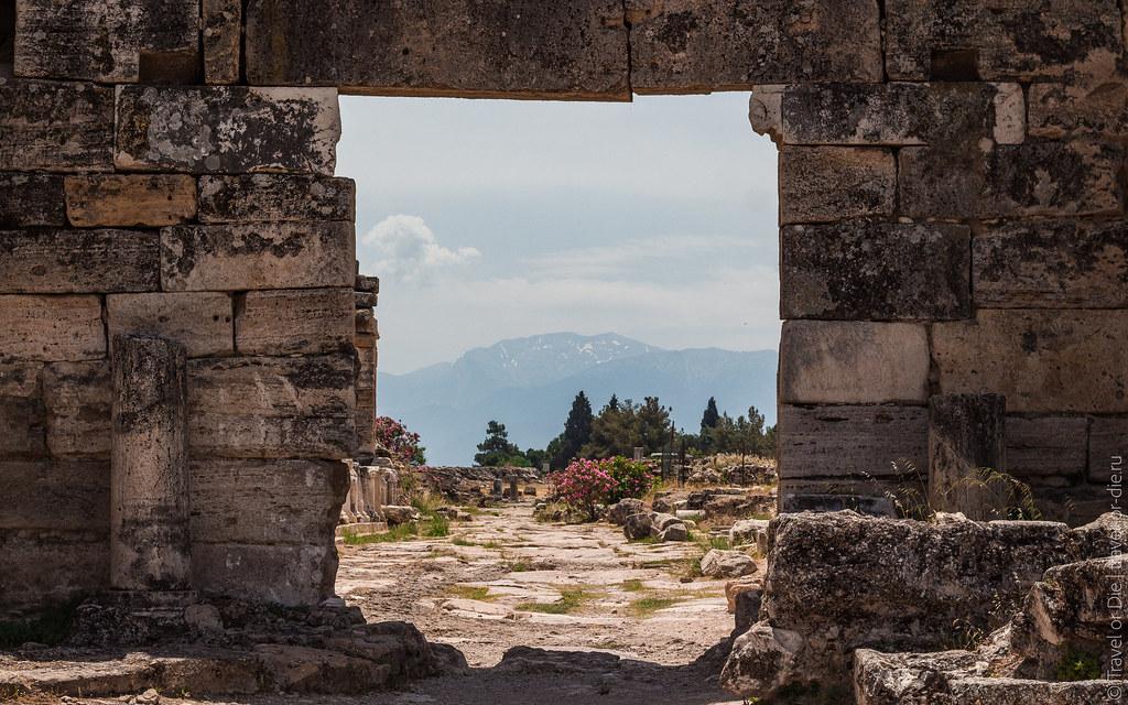 Ancient-City-Hierapolis-Turkey-5411
