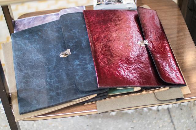 Taschen aus Holzleder