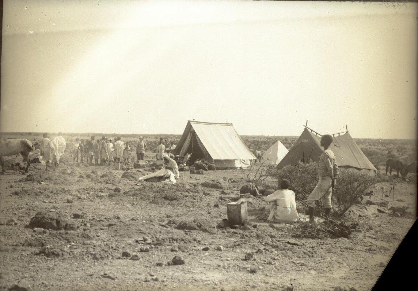 121. В сомалийской пустыне. Бивуак в Амбули