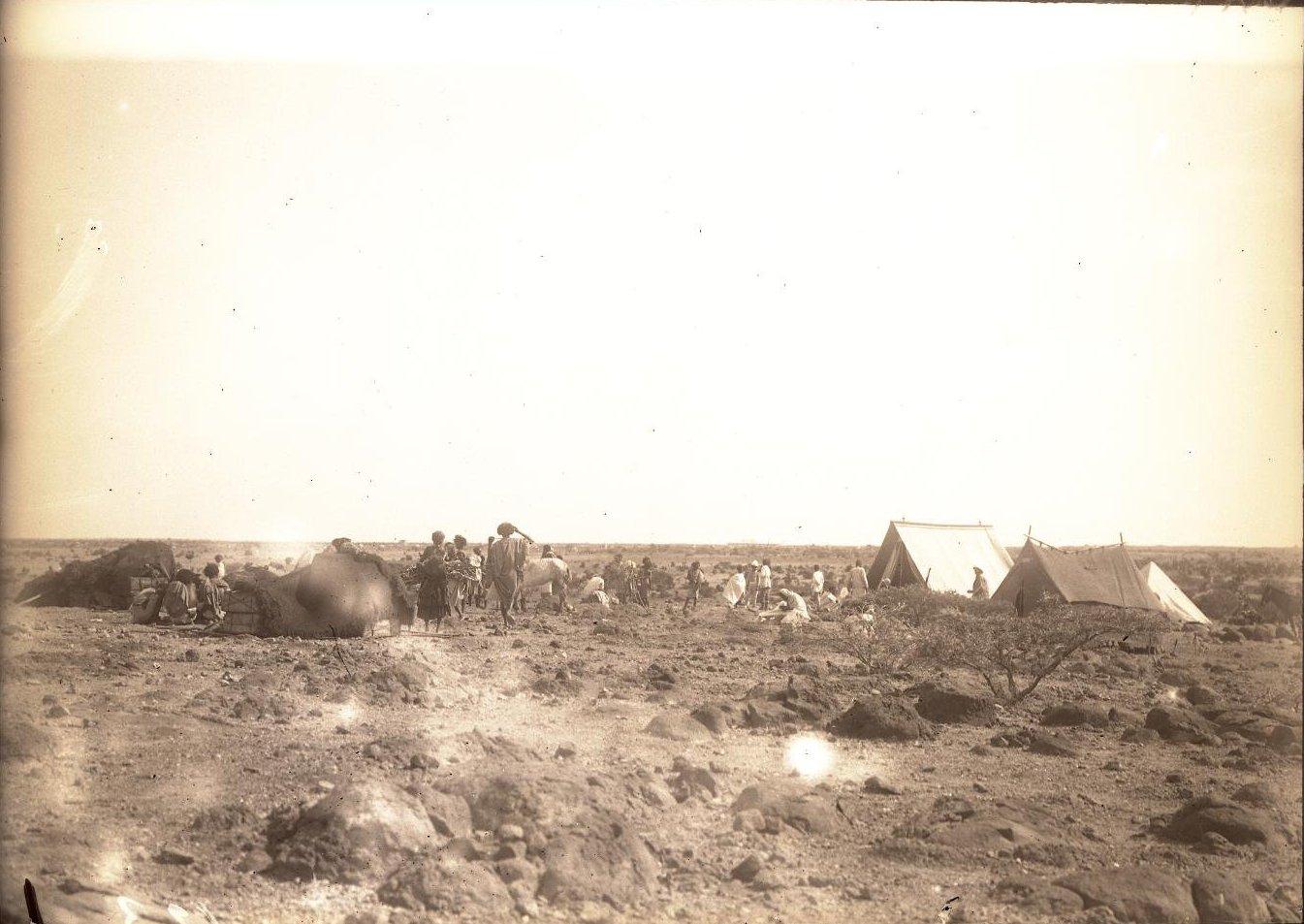 123. В сомалийской пустыне. Бивуак в Амбули