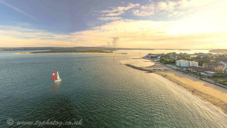 © Entrance to Poole Harbour