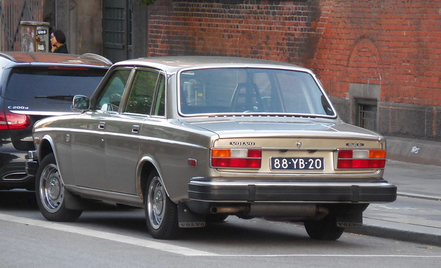 This Volvo 164E 88-YB-20 from Holland looks mint -seen parked outside Copenhagen Cityhall a long way from home!