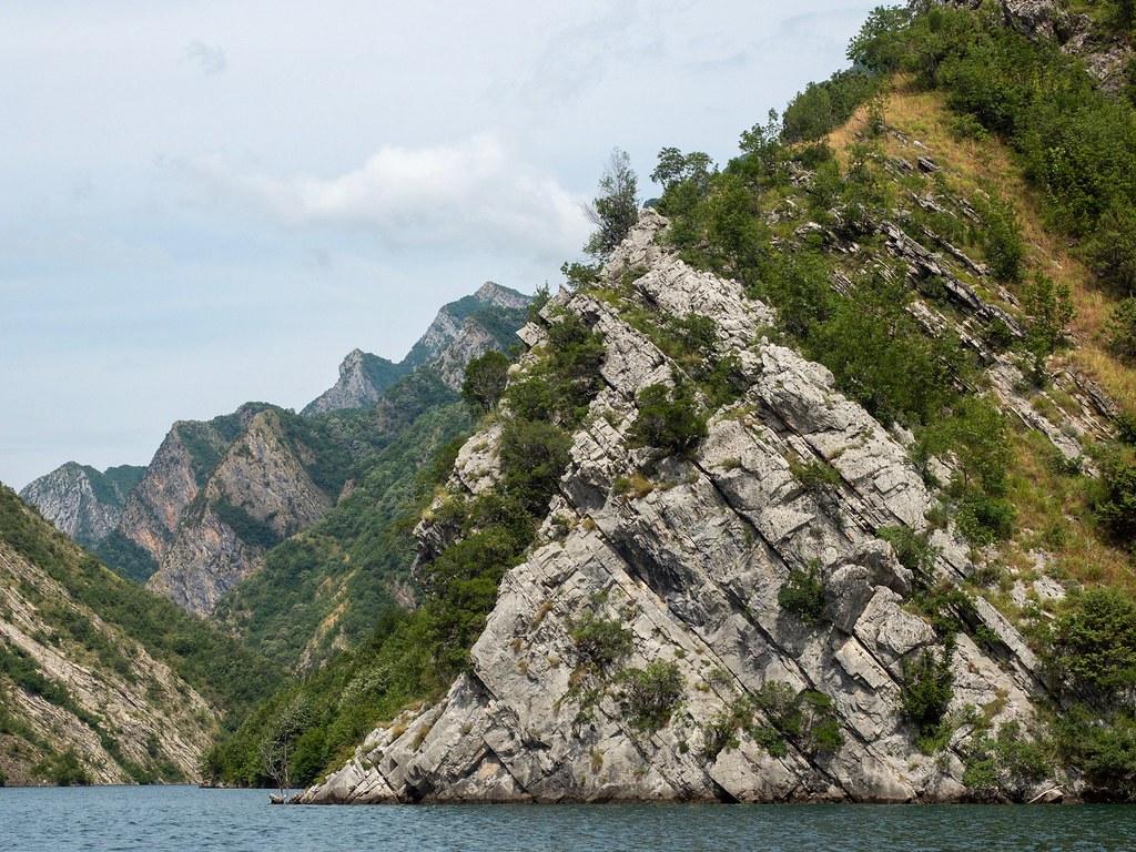 Komano lake