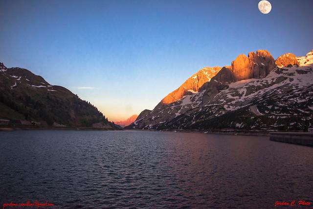 _GIO9918 Lago Fedaia - Tramonto