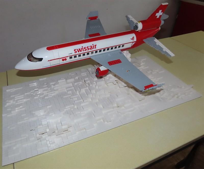 Un avion de ligne Lego 48512332601_c8a1882384_c