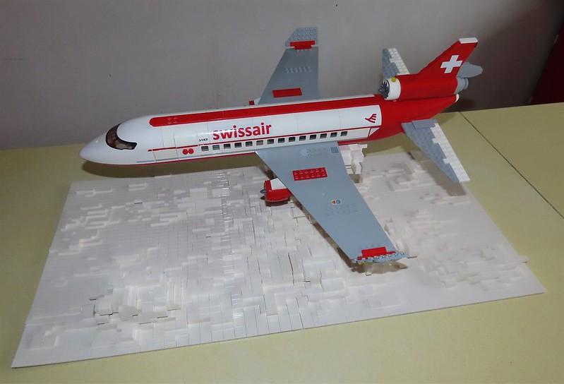 Un avion de ligne Lego 48512332636_b3649816dd_c