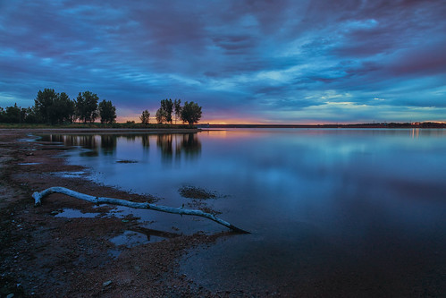 sunrise dawn daybreak bluehour clouds reflections lakechatfield chatfieldstatepark colorado landscape silhouettes le longexposure