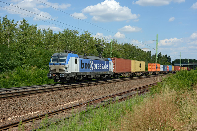 193881 BOXXPRESS + westbound container train, Budaörs, 16 July 2019