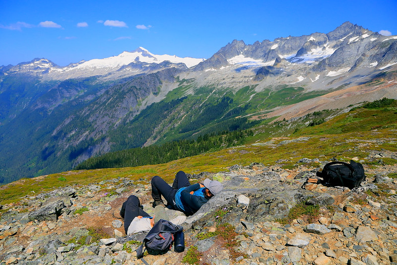 IMG_4086 Hikers Resting at Sahale Arm, North Cascades National Park