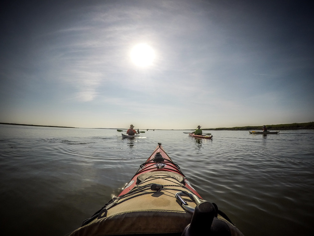 Paddling to Capers Island