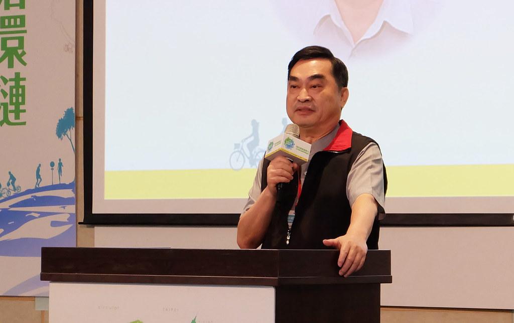 台北市副市長鄧家基說明「台北市能源政策綱領」。攝影:陳文姿