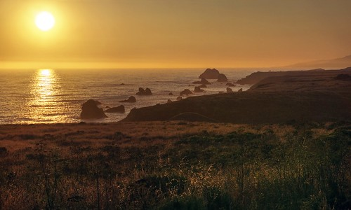 bodegabay jenner northerncalifornia california usa water sea pacific pacificocean ocean shore shoreline landscape seascape rocks day dusk sunset sun goldenhour clear sony a6000 selp1650 1xp raw photomatix hdr qualityhdr qualityhdrphotography fav200