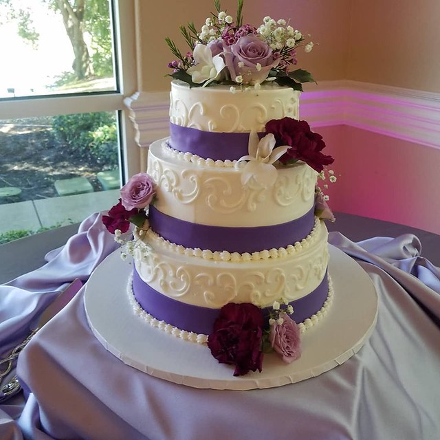 Wedding Cake by Mike's Pastry Shop