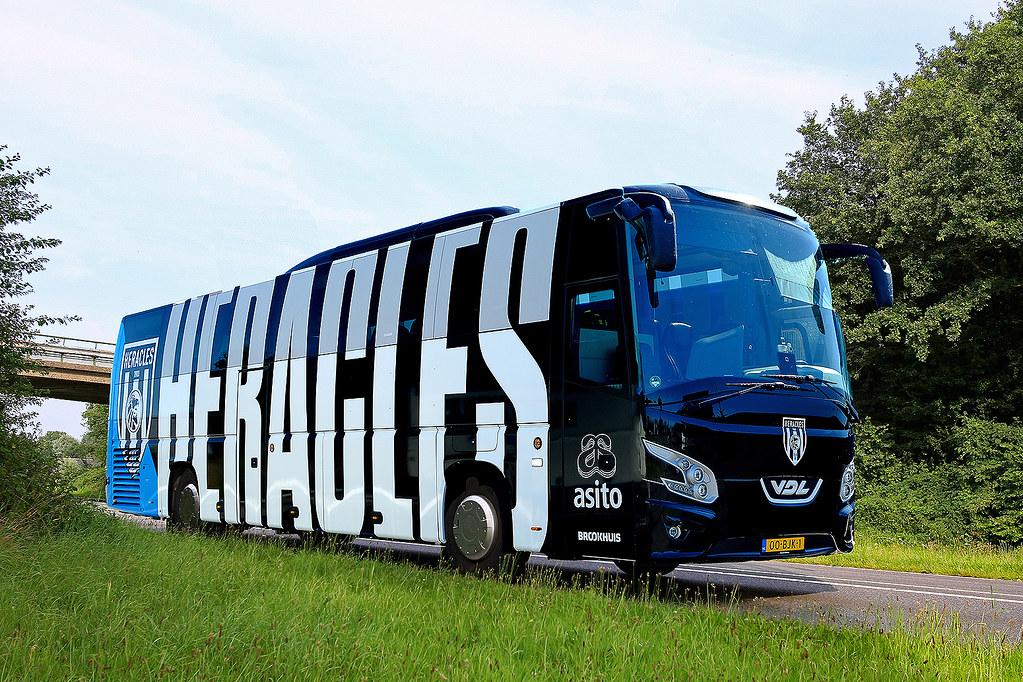 Brookhuis Heracles SpelersBus  bew 011