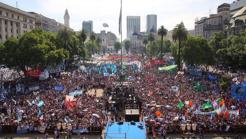 Argentina's famous Plazo de Mayo.