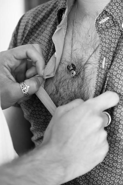 Je veux déboutonner ta chemise et embrasser ta peau juste à l'endroit de ton coeur.