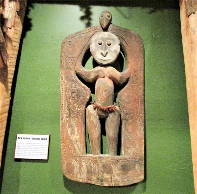 New Guinea ancester totem 0380