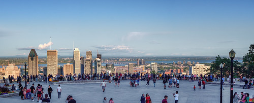 montreal lookout panorama city view
