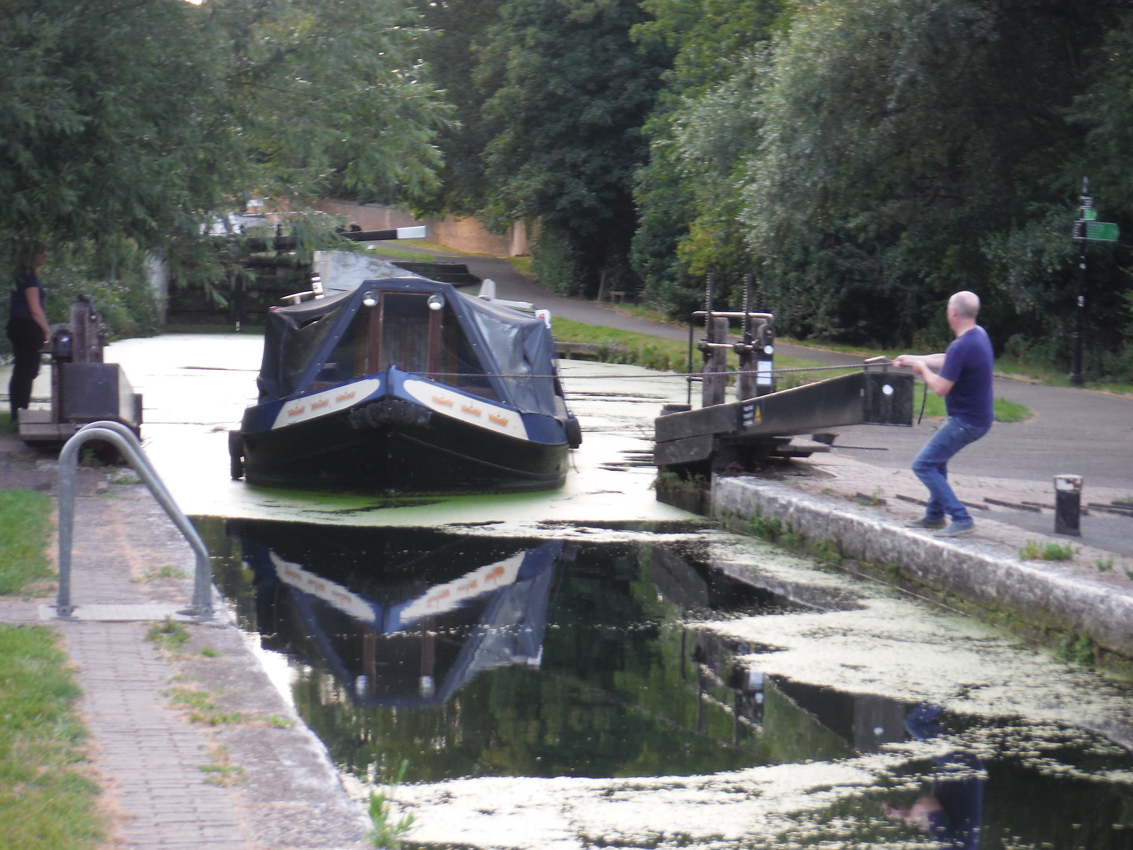 Hanwell Lock on Barges on River Brent/Grand Union Canal SWC Short Walk 22 - Boston Manor to Osterley