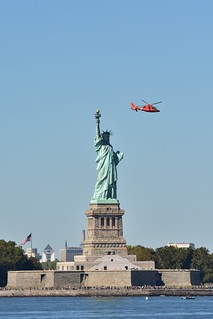 DSC_0418 Statue of Liberty & HH-65A Dauphin ll Helicopter  USCG