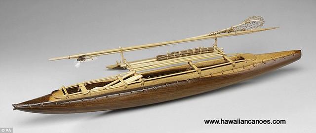 Tuvalu canoe model