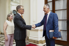 140219 alcalde visita embajador de Ucrania
