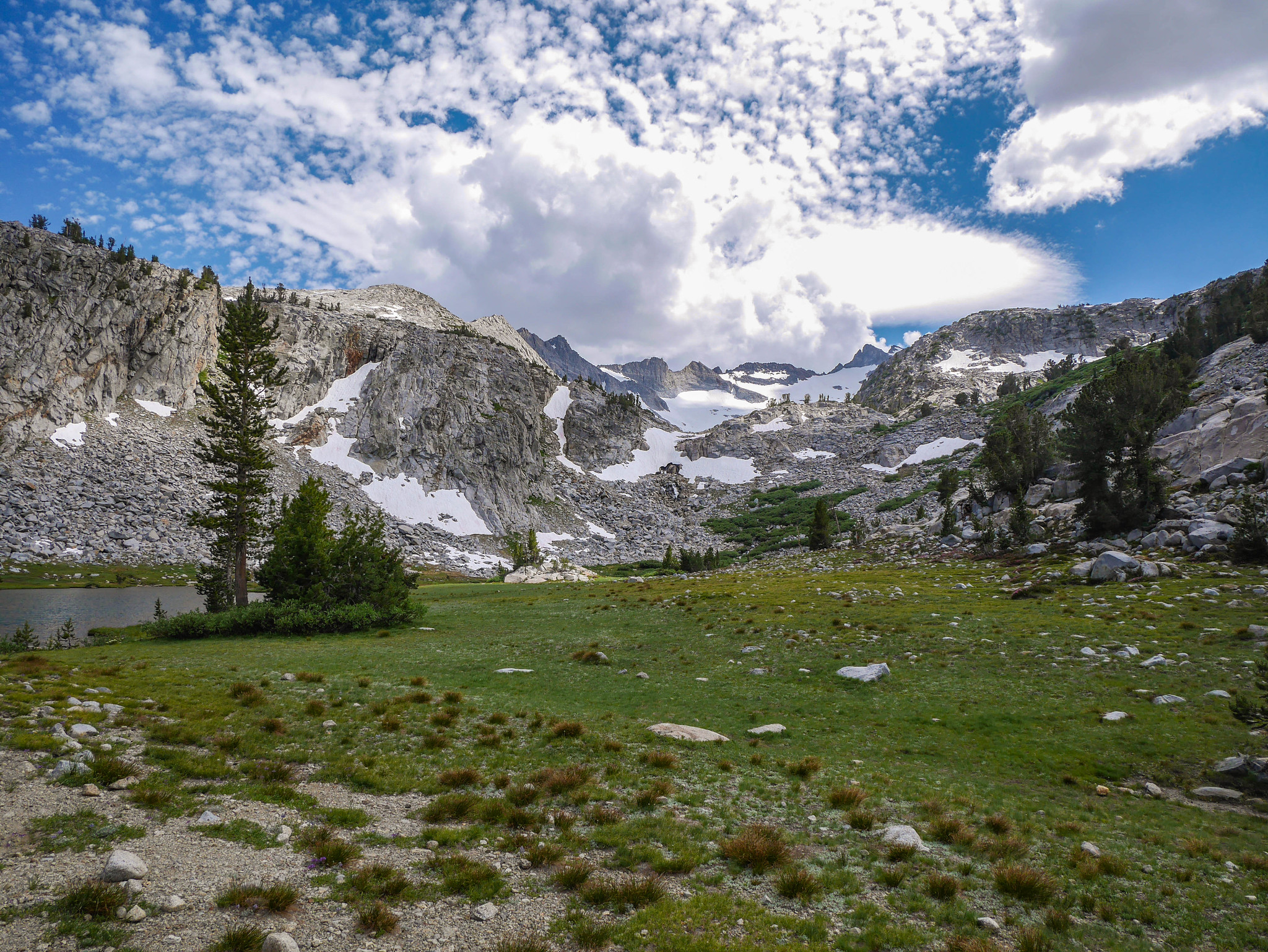 JMT north of Donahue Pass