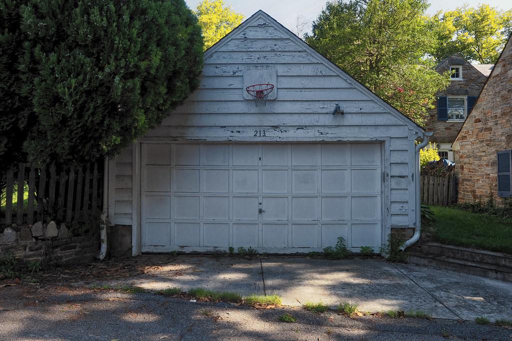 Garage 213