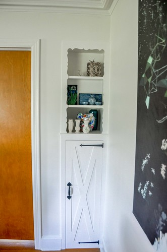 Painting the Living Room Trim with Benjamin Moore Advance Paint in Semi Gloss White