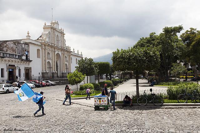 La Plaza de la Catedral - Antigua Guatemala