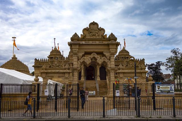 Shri Vallabh Nidhi Temple, Alperton