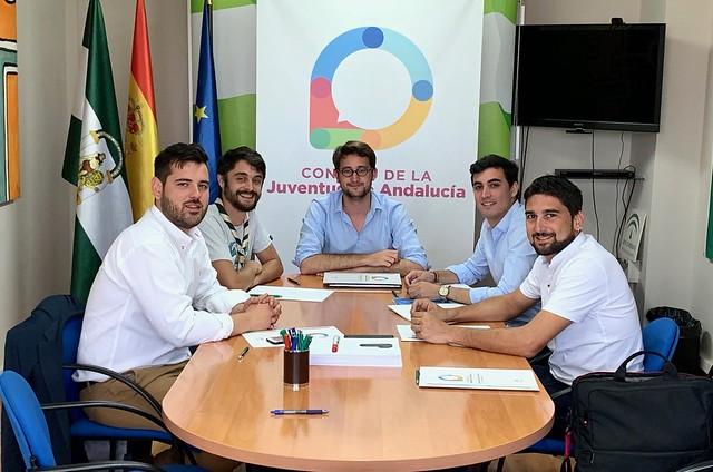 El CJA celebra el día de la juventud reuniéndose con los grupos políticos