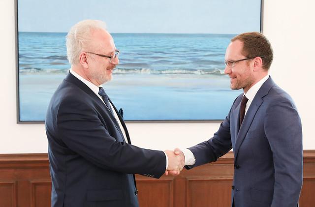 Valsts prezidenta Egila Levita tikšanās ar Saeimas Sociālo un darba lietu komisijas priekšsēdētāju Andri Skridi